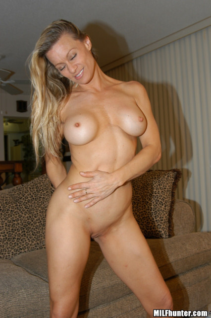 Jennifer Schwalbach Nude Pics